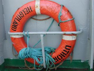 Rettungsring - Rettungsring, ertrinken, Schiff, Boot, Helgoland, Rettung, Meer, Insel, schwimmen, Rettungsreifen, Schiffbruch, untergehen, Seenot, Rettungsmittel, Helgoland, SOS, Havarie