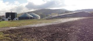 Biogasanlage#2 - Gas, Biogas, Biogasanlage, Umwelt, Energie, Energieerzeugung, Stromerzeugung, alternative, alternativ, erneuerbare, erneuerbar, regenerative, regenerativ, faulen, verfaulen, Faulbehälter, Gärbehälter, Vergärung, Silo, Gülle, Biomasse, Acker, Silage