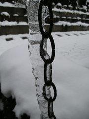Eisbildung - Eis, Eiszapfen, Winter, Dichte, Physik, Aggregatzustand, fest, Zustandsänderung, Kette, gefroren