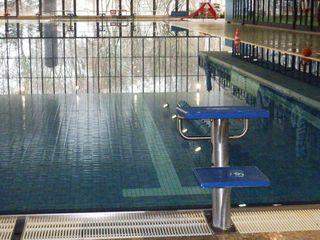 Schwimmhalle - Sport, schwimmen, Schwimmhalle, Wasser, Wassersport, Spiegelung, Becken, Schwimmbecken
