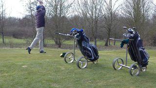 Golfspieler - Golf, Golfsport, Golfspieler, Trolley, Ballsportart, Ballsport, Freizeitsport, Natursport