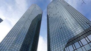 Hochhaus  #1 - Architektur, Hochhaus, Wolkenkratzer, Gebäude, Perspektive, Fassade, Glasfassade