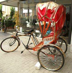 Rikscha - Rikscha, Fahrradrikscha, Fahrradtaxi, Personenbeförderung, Fuhrwerk, Kultur, Beförderung, Dreirad