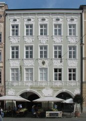 Rosenheim  Weinhaus Fortner - Patrizierhaus, Stuck, Arkaden