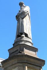 Leonardo da Vinci - Statue in Mailand - Leonardo, da Vinci, Künstler, Maler, Bildhauer, Skulpteur, Universalgelehrter, Mailand, Skulptur, Denkmal