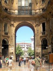 Galleria Vittorio Emanuele II in Mailand #2 - Italien, Mailand, Shopping, Galerie, Läden, Mode, teuer, Tourismus, Torbogen, Milano, elegant, nobel