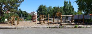 Spielanlage - Spielanlage, Grundschule, Schulhof, Klettergerüst, Pause, austoben, spielen, Bewegung