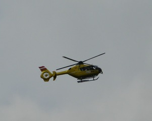Rettungshubschrauber - Hubschrauber, Rettung, Rettungseinsatz, Luftrettung, Sicherheit, fliegen, Helikopter, Heli, Rotor, Auftrieb, Physik, Aerodynamik, Rotorblätter