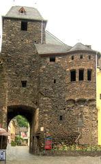 Cochem: Stadttor - Cochem, Stadttor, Stadtbefestigung, Mittelalter, Tor, Mauer, Stadtmauer, Schutz, Befestigung, Durchgang
