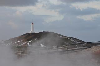 Leuchtturm in Island - Leuchtturm, Seefahrt, Island, heiße Quelle, Wasser, Schnee, Licht, Wolken