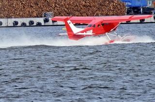 Wasserflugzeug - Wasser, Flugzeug, Start, fliegen, starten, rot, Auftrieb