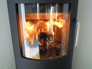 Feuer - Feuer, Ofen, Kaminofen, Wärme, Flamme, Kamin, Holz, Hitze, brennen, lodern, heiß, warm, Verbrennung, heizen, Brennstoff, Chemie