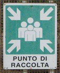 Hinweisschild Treffpunkt - Punto Di Raccolta - Hinweisschild, italienisch