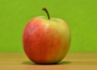 Apfel  #2 - Apfel ganz, Obst, Kernobst, Ernährung, ernähren, essen