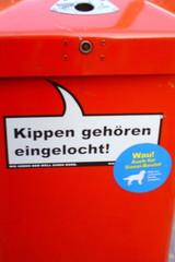 Mülleimer-Spruch 4 - Abfalleimer, Müll, Stadtreinigung, Abfallproblem, lustig, Witz, Sprachwitz, Slogan, Werbung, Humor, Sprechblase, Werbesprache