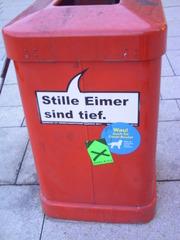 Mülleimer-Spruch 1 - Abfalleimer, Müll, Stadtreinigung, Abfallproblem, lustig, Witz, Sprachwitz, Slogan, Werbung, Humor, Sprechblase, Werbesprache