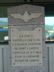 Exupéry Bastia - Saint-Exupéry, Bastia, aéroport, Flughafen, Gedenktafel, Flug, écrivain, Schriftsteller, aviateur, Pilot, Mission