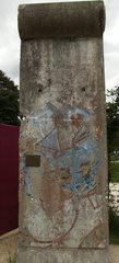 Berliner Mauer Segment - Berlin, Mauer, Berliner Mauer, DDR, Geschichte, Deutsche Geschichte, Teilung, Sperranlage, Grenze, Grenzanlage, Grenzbefestigungssystem, innerdeutsch, innerdeutsche, Betonelement, Beton, Platte