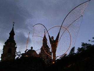 Beleuchtung auf dem Weihnachtsmarkt - Weihnachten, Licht, Beleuchtung, Kerzen, Lichter, dunkel, festlich