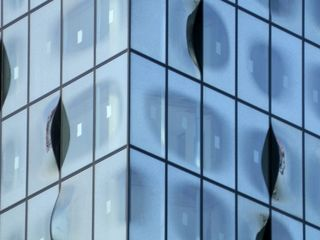 Fassade Ausschnitt Elbphilharmonie - Fassade, Architektur, Glas, Kunst, Ausschnitt, parallel, Parallelogramm, Perspektive, Mathematik, kongruent, Kongruenz, Viereck