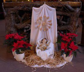 Weihnachtlicher Altarschmuck - Jesus, Jesuskind, Krippe, Altar, Altarschmuck