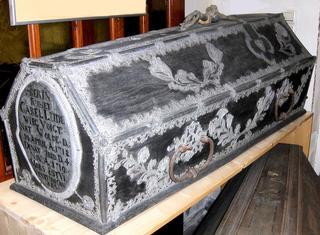 Sarg - Sarg, Tod, Bestattung, Beerdigung, Schmucksarg, geschmückt, verziert, Verzierung, Zinn, Ornamente, sterben, Ritual, Inschrift
