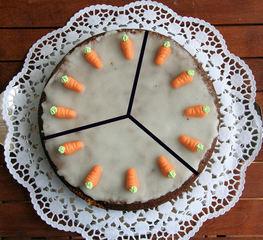 Torte teilen #1 - Kuchen, Torte, Tortenstück, teilen, Teil, Teile, Hälfte, Drittel, dritteln, drei, Bruchrechnen, rechnen, Bruchteil, Brüche, Bruch, Winkel