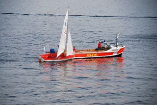 Wasserrettung - Gekentertes Segelboot #6 - Rettung, Wasser, retten, Ehrenamt, ehrenamtlich, Rettungsschwimmer, helfen, ertrinken, schwimmen, erschöpft, hilflos, Unfall, verunfallt, Not, sichern, Rettungsboot, Lifeguards, Lifeguard, Rettungsdienst, Gefahr, Gefahrenabwehr, Engagement, Erste Hilfe, Kanu, Kanute
