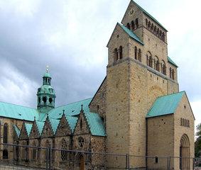 Hildesheimer Dom, Mariendom - Kirche, Dom, Basilika, Kathedrale, gotisch, barock, neuromanisch, Bischof, Bernward, Weltkulturerbe, Unesco, Hildesheim, St Marien, Mariendom, Gotteshaus, Gottesdienst