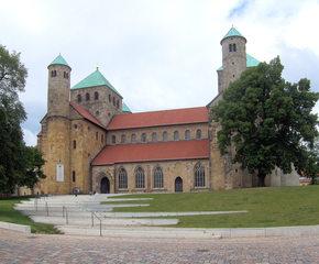 Michaeliskirche Hildesheim #1 - Bischof, Bernward, Unesco, Weltkulturgut, Michaeliskirche, Hildesheim, katholisch, evangelisch, Kirche, romanisch, Gottesdienst, Gotteshaus