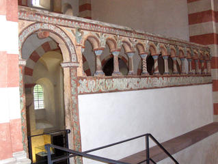 Michaeliskirche Hildesheim #5 Chorschranke - Chorschranke, Michaeliskirche, Hildesheim, Kirche, Chorraum, Mittelalter, Romanik, Engelschor, Stukkatur, Skulptur, Relief