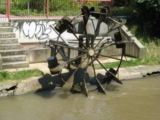 Schöpfrad - Wasser, Wasserrad, schöpfen, Schöpfrad, unterschlächtig, Rotation, Wasserkraft, Physik, Energie
