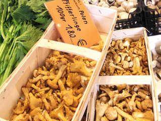 Pfifferlinge - Pfifferlinge, Pilz, Pilze, Gemüse, Hut, Stiel, Fruchtkörper, Eierschwammerl