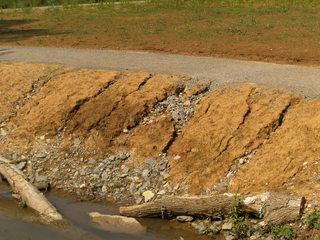 Bodenerosion#1 - Bodenerosion, Umwelt und Naturschutz, Rillenerosion, Rinnsal, Niederschlagswasser