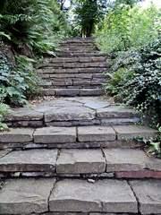 Treppe aus Naturstein - Aufstieg, Abstieg, Aufgang, Abgang, steigen, Treppe, Struktur, Stufe, Stufen, Impuls, Gesprächsanlass, Öffnung, Meditation, Weg, Wege, steil, hinauf, hinab