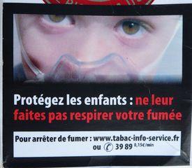 Warnhinweis auf französischer Zigaerettenschachtel #5 - rauchen, Krebs, Lungenkrebs, cancer, mortel, poumon, fumer, Gesundheitsschädigung, Umwelt, arrêter