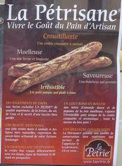 Informationen zu Baguette - pain, frais, informations, pain maison, croûte, croustillant, mie, moelleux, baguette, pain artisanal, four, four a bois, petrir, petrin