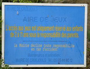 Hinweisschild auf Kinderspielplatz - aire, jeux, enfants, responsabilité, accès, parents