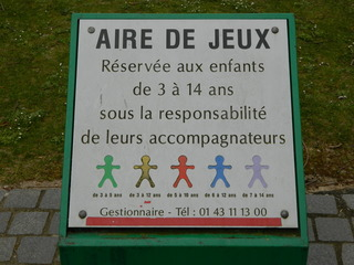Aire de jeux - Frankreich, Schild, panneau, aire de jeux, Spielplatz, enfants, Kinder, jouer, âge, Alter