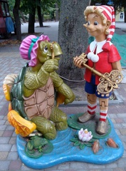 Figuren aus dem Märchen_Das goldene Schlüsselchen#1 - Märchen, Russland, Burationo, Schildkröte