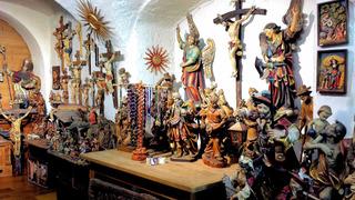 Holzschnitzer im Grödnertal #4 - Holzschnitzer, Holz, schnitzen, Kunst, Werkzeug, Handwerk, Kunsthandwerk, Arbeit, Tradition, Maria, Mutter Gottes, Jesus, Kruzifix, Engel, Heilige, Figuren