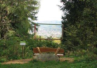 Harzburger Fenster # 1 Ansicht mit Bank - Rahmen, Bank, Aussicht, Wald, Bad Harzburg, Bild, Bilderrahmen, Rechteck
