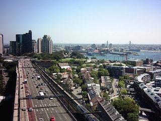Harbour Bridge 3 - Australien, Sydney, Brücke, Verkehr, Straße, mehrspurig, Großstadt, Fluchtpunktperspektive