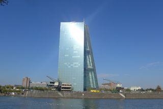 Europäische Zentralbank - EZB, Europäische Zentralbank, Frankfurt/Main, Gebäude, Turm, Hochhaus, Architektur, Osthafen
