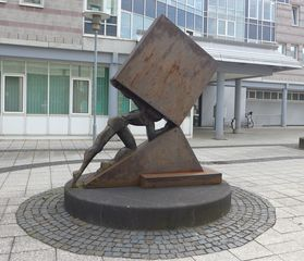 Moderne Skulptur - Skulptur, Sysiphus, Steuerlast, Symbol