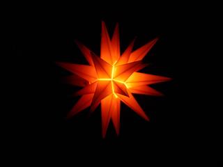 Herrnhuter Stern #2 - Weihnachten, Stern, Symbol, hell, leuchten, beleuchtet, Licht, Advent