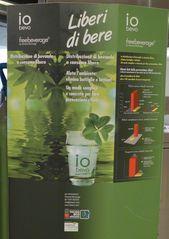 Werbeplakat  für kostenlose Getränkeausgabe - Plakat, Werbung, Werbeplakat, italienisch, liberi, bere, consumo libero, distribuzione di bevande a consumo libero