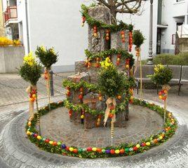 Osterbrunnen#1 - Ostern, Osterbrunnen, Osterbrauch, Osterschmuck, Schmuck, Brauch, Brunnen, schmücken, Ostereier, bunt, Brauchtum