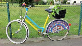 Urban Knitting #9 - stricken, häkeln, Kultur, Knitting, Graffiti, Kunst, Motiv, Impression, Motiv, warm, Wolle, Strickkunst, Objektkunst, Kunstobjekt, bunt, Verschönerung, Gemeinschaft