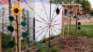 Urban Knitting #13 - stricken, häkeln, Kultur, Knitting, Graffiti, Kunst, Motiv, Impression, Motiv, warm, Wolle, Strickkunst, Objektkunst, Kunstobjekt, bunt, Verschönerung, Gemeinschaft